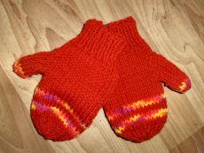 Bev's 2-needle mittens