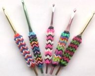 Latex free rubber band grips for crochet hooks