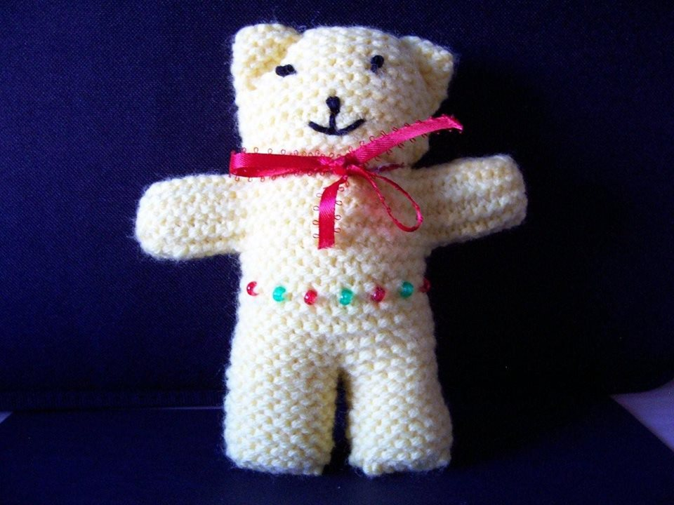Knitted Teddy Bear Pattern For Charity : Buddy Bears to knit